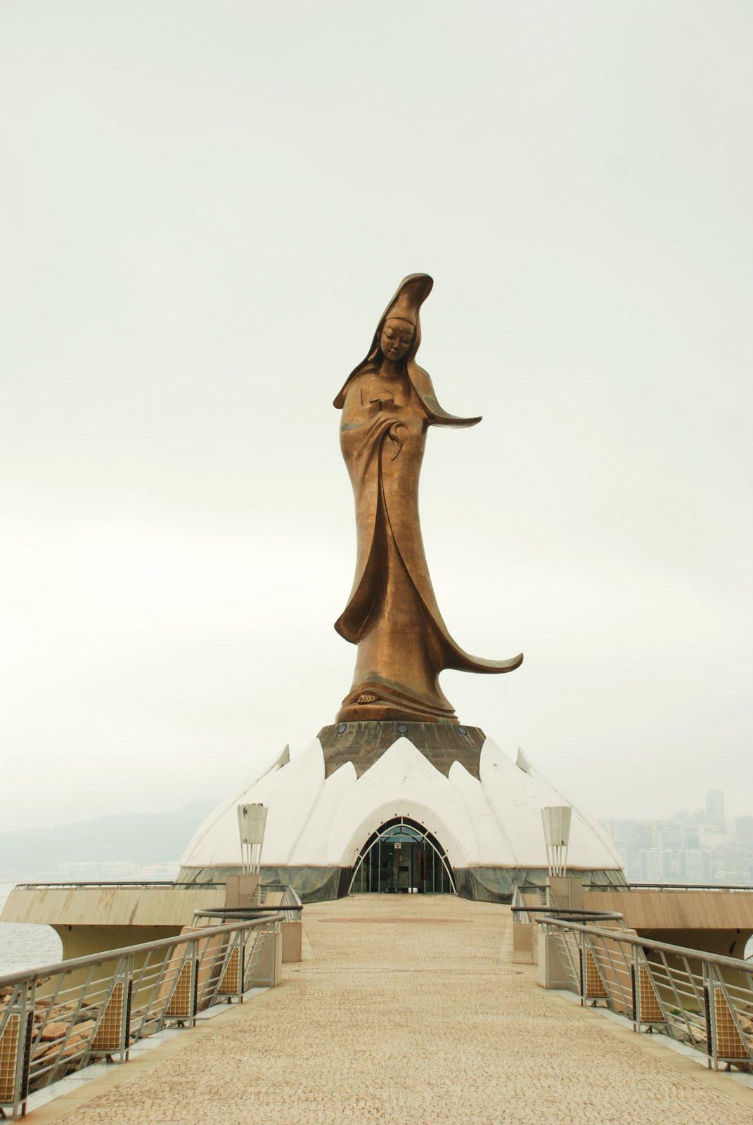 கருணைத் தெய்வம் குவான் யின்