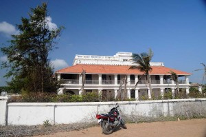 Bungalow_on_the_Beach,_Neemrana_Hotels,_in_Tranquebar,_Tamil_Nadu